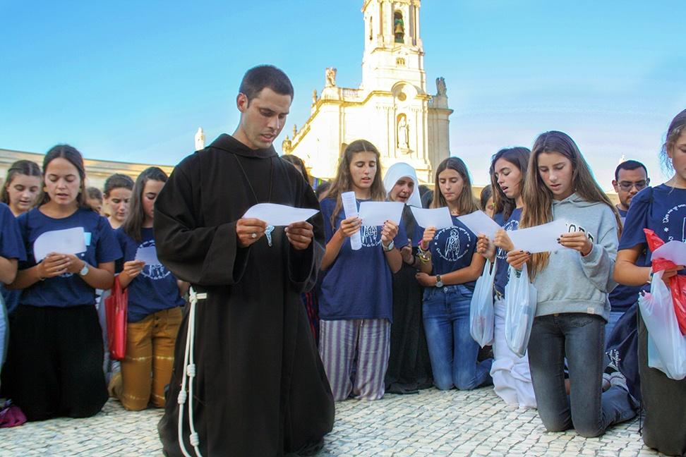 Jovenes en Fátima